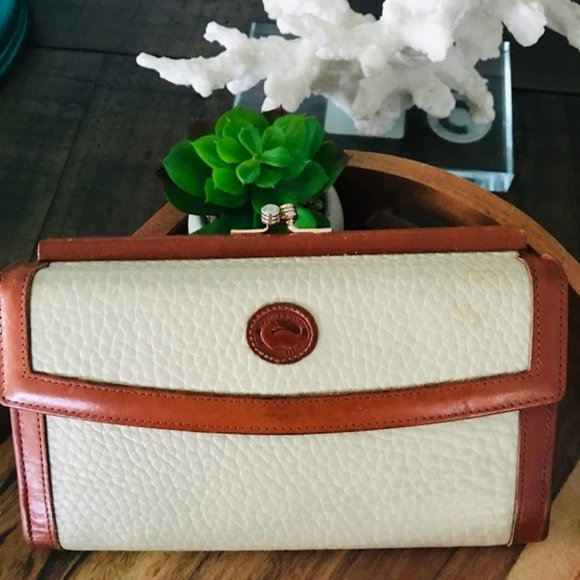 Vintage Dooney & Burke Checkbook Wallet Cream/Tan